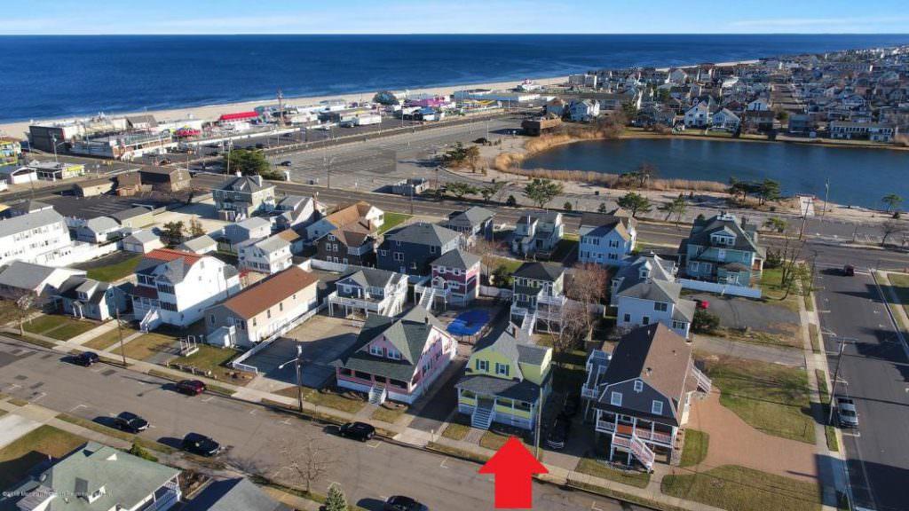 34 Central Ave E, Point Pleasant Beach, NJ  21914090